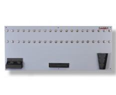 Werkzeugwand grau 150 x 61 cm bestückt mit Haken und Werkzeughalter
